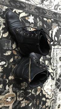 Black leather cute boots Edmonton, T5E