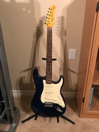 Jay Turser electric guitar with hard case brand new condition!! Barrie, L4N 9L7