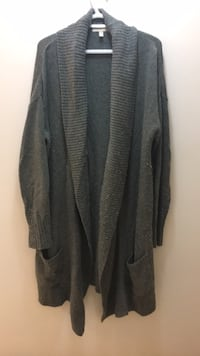 XL long sweater Vancouver, V5K 3E2