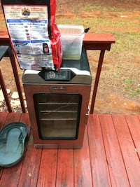 Charbroil smoker never used Fortson, 31808