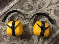 YELLOW EARMUFFS 905 mi