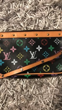Authentic Louis Vuitton handbag Belleville, K8N 4Z5