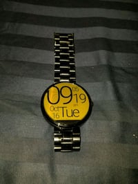 round black and yellow analog watch with link bracelet Silver Spring, 20904