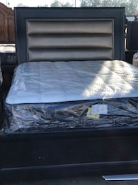 Queen bed with mattress new Bakersfield, 93307