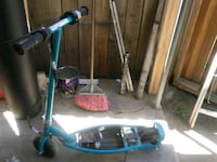 Razor scooter need battery but dad's work $20 Bakersfield, 93305