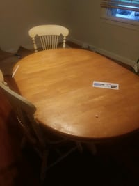 Hardwood table 4 chairs Oxon Hill