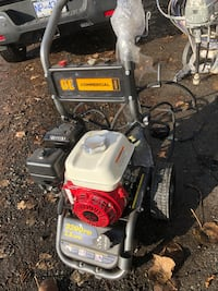 Pressure Washer Honda GX 200, 3200 psi 2.8 gpm LIKE NEW $450 Vancouver, V5R 5J4