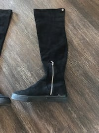 Thigh high over the knee boot 8.5 P/U OAKVILLE