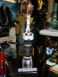 black and gray upright vacuum cleaner Springfield, 97477