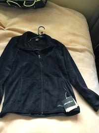 Black Eddie Bauer sweater Kamloops, V2C 5E2