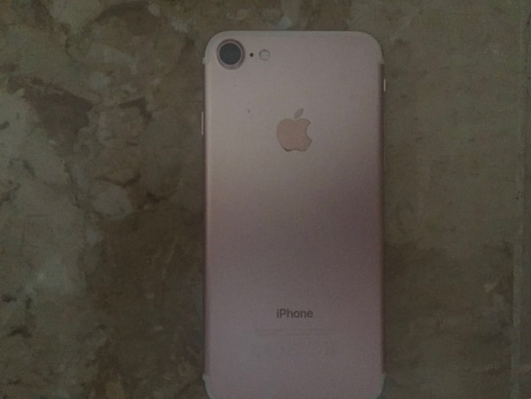 Iphone 7 in oro rosa plus