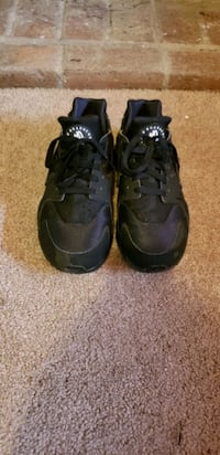 Nike Huraches like new size 8 mens  Derry, 03038