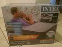 Intex dura beam plus 22 inch queen air mattress  Las Vegas, 89113