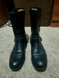 pair of black leather boots Lynn Haven, 32444