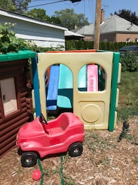 Picnic table $5 cube$10 and car $5 Franklin Park, 60131