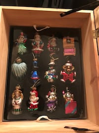 Museum Thomas Pacconi 1900-2000 Classics 30 Christmas Ornaments In Wooden Chest  located off 168th and q brand new Omaha, 68135
