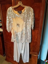 Sequin top and gold pants 2392 mi