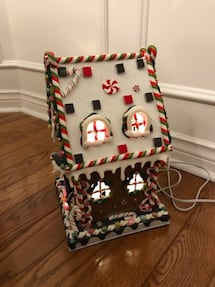 Lighted Gingerbread House, new in box