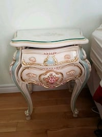 Victorian style table with drawer Toronto, M3H 5Z9