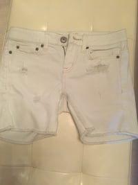 Distressed white jean shorts size 00 Vaughan, L4L