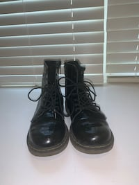 Doc Martin Girls Boots size 4 Media, 19063