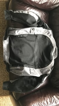XL castle Mc jacket 150 obo comes with optional rain/windscreen Brownstown, 48173