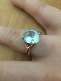 BLUE TOPAZ AND ROSE GOLD RING - Size 12 Barrie, L4N 0N9