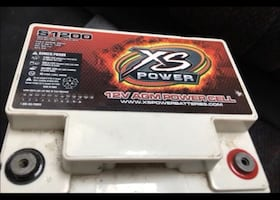 XS CAR AUDIO BATTERY IN GOOD CONDITION