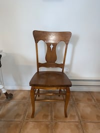 ANTIQUE SOLID WOOD CHAIR WITH CONTOURED SEAT Toronto, M6J