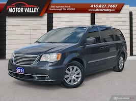 Chrysler - Town and Country - 2011