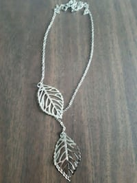 Silver Double Leaves Pendant Necklace Barrie, L4N