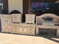 Full bedrooms size dresser mirror chest and nightstand full-size bed Plantsville, 06479