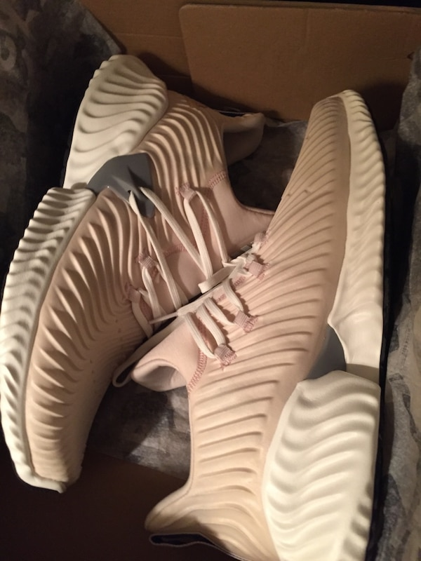 New 11.5 Mens Adidas Alphabounce Shoes