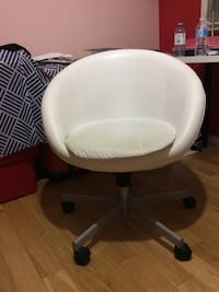 white leather rolling chair 滑铁卢, N2L 1V3