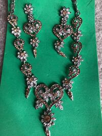Pakistani/Indian jewelry sets ($18 each) Mississauga, L5R