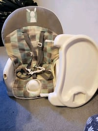 Portable feeding chair  Toronto, M6J 3H3