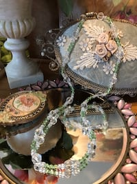 Pretty! Crystal White & Green Crystal Stone Necklace Gainesville, 20155