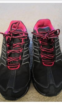 Nike Woman's Running Sneakers size 5 great condition Manalapan, 07726