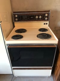 Stove good condition $ 150 Montreal, H8T 1E7