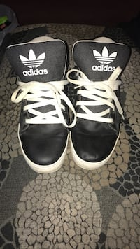 Souliers Adidas