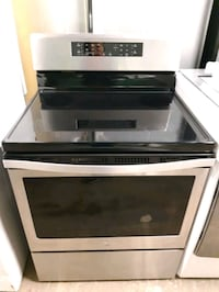 WHIRLPOOL STAINLESS STEEL ELECTRIC STOVE WORKING PERFECTLY