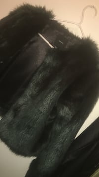 Army green fur coat haven't used it yet  Ottawa, K1V