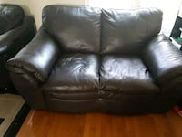black leather 2-seat sofa Vaughan, L4L 3S3