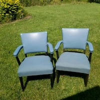 2 clean vinyl and seat fabric chairs Granger, 46530
