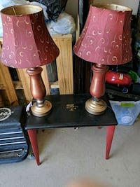 2 lamps and an end table Albuquerque, 87114