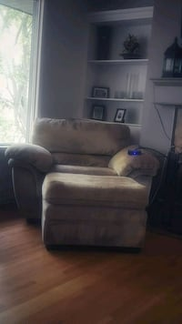 Beige chair with foot rest Edmonton, T5M 1H1
