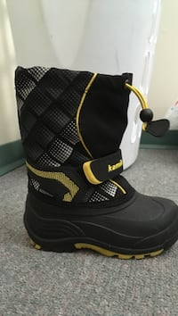 and yellow snow boots Vernon, V1T 9E7
