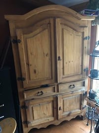 Armoire worm wood Martinsburg, 25403