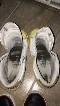 Pair of old Nike shoes 541 km