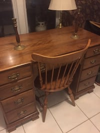 Ethan Allen Desk with matching chair Avenel, 07001